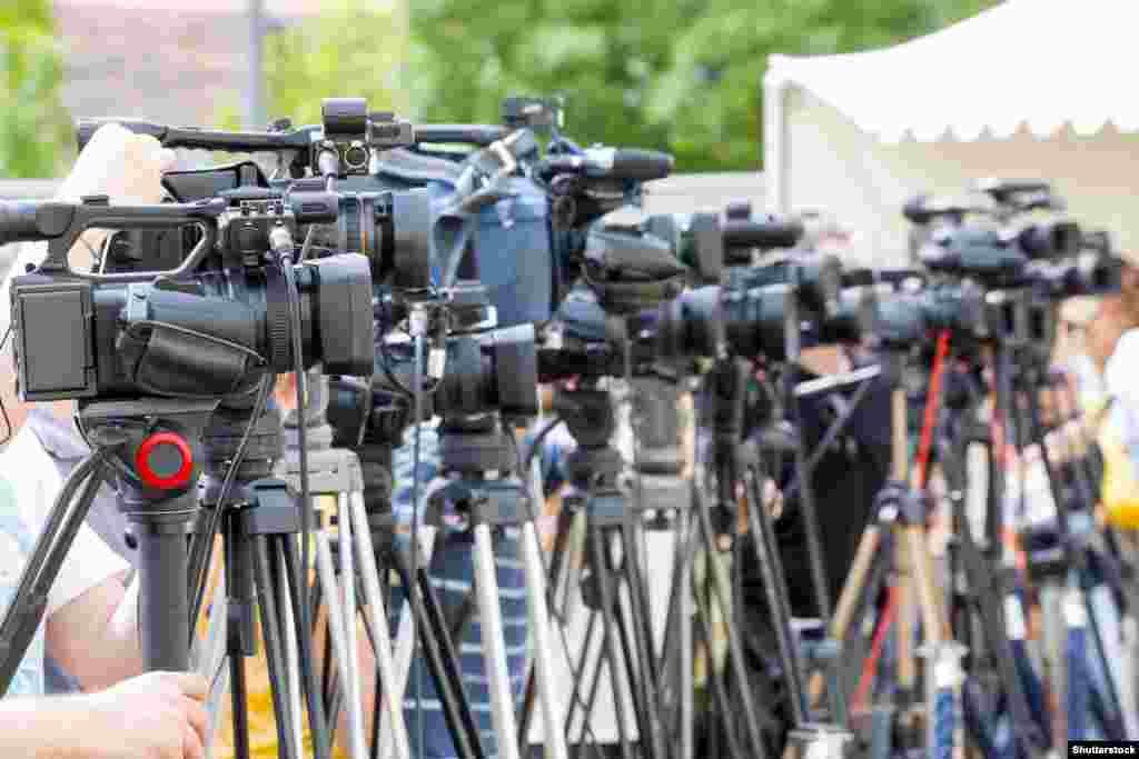 Оценка каждой страны для Всемирного индекса свободы прессырассчитывается по единой формуле, исходя из показателей, объединенных в 7 групп: плюрализм, независимость СМИ, окружение и самоцензура, законодательство, прозрачность, инфраструктура, а также отдельная группа – репрессии в отношении журналистов.
